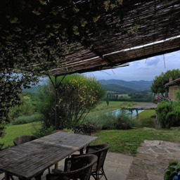 Casa del Rosmarino: The veranda at the side of the house, perfect for evening meals and relaxing