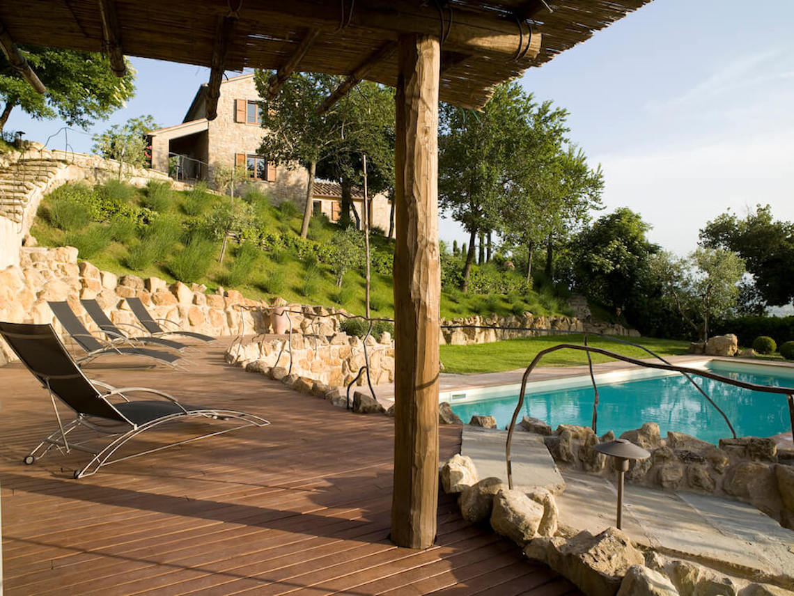 Cinque Querce e mezzo: Stone farmhouse with pool, Umbria
