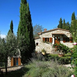 Il Castelletto: The garden with cyprus trees, lavender and other fresh Tuscan scents