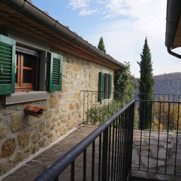 La Casina: Blue skies and cyprus trees, enjoy the tranquil setting in Tuscany