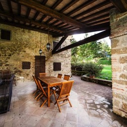 Palazzolo Farmhouse: One of the ideal places to wine and dine al fresco, in Tuscany