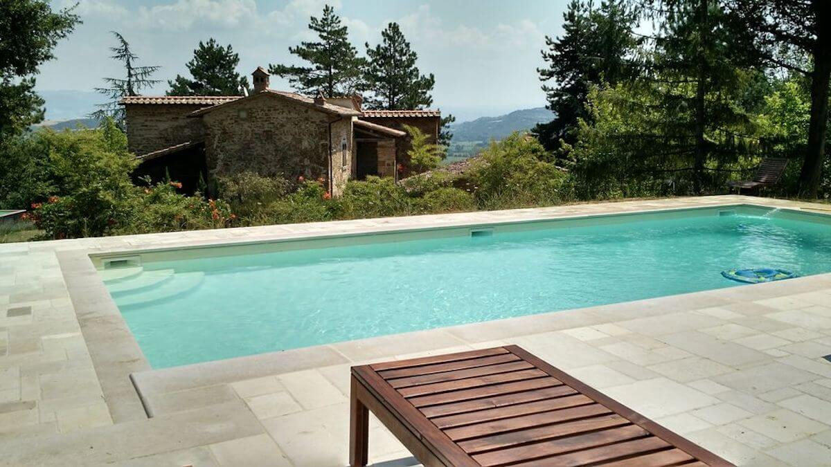 Palazzolo Farmhouse: A beautifully fully restored villa with six bathrooms and four bedrooms, Anghiari, Tuscany