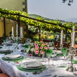 Palazzo Rosadi: Enjoy afternoon meals in the garden in the grounds of this spectacular holiday villa, Tuscany