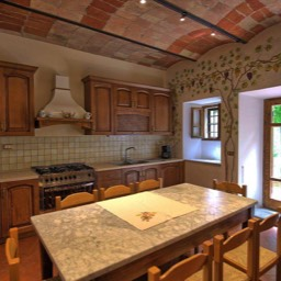 Palazzo Rosadi: The kitchen with table for table for breakfasts in Tuscany