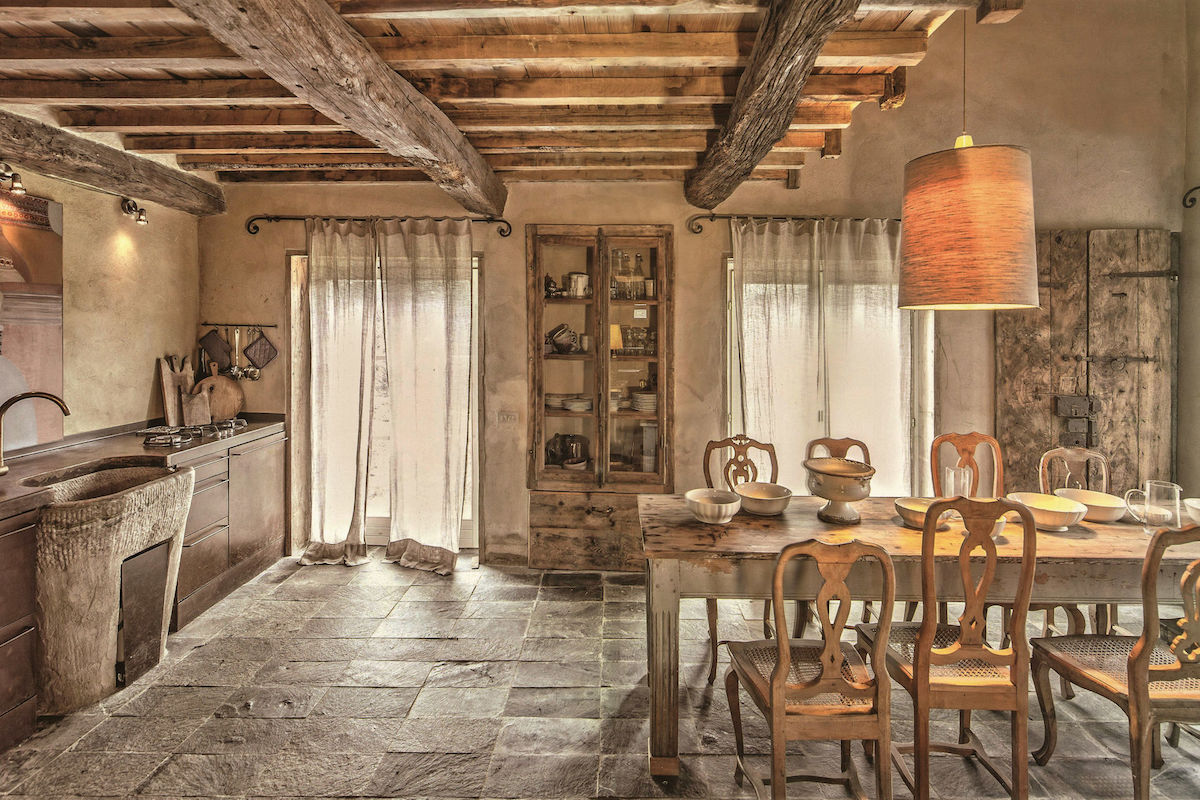 Tobacco Loft: A spectacular Tuscan cottage restored with style by architects