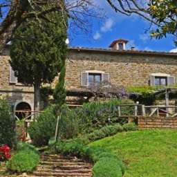 Villa Calcina: Private gardens surrounding the Tuscan farmhouse