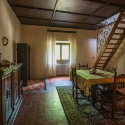 Villa Paradiso: One of the traditional yet spacious dining area
